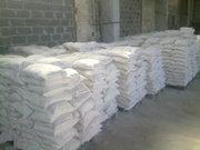 известь, цемент, мраморная крошка, щебень, песок, средства защиты растений